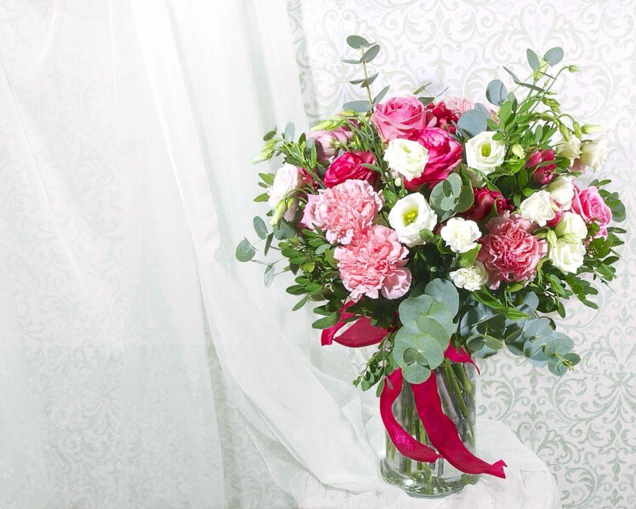 Букет розы и гвоздика
